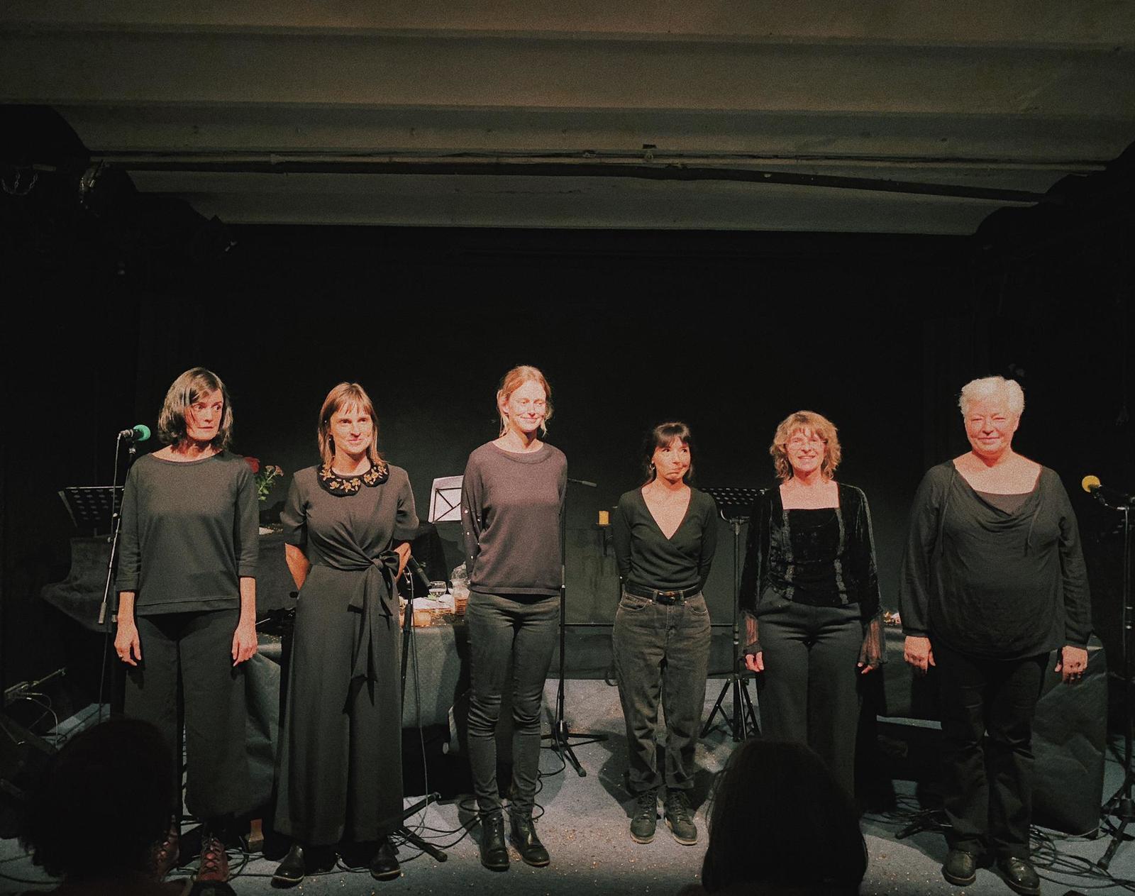 """""""Des corps performants"""", spectacle radio-live à l'An Vert, Liège, octobre 2020. Photo : Elise Dutrieux."""
